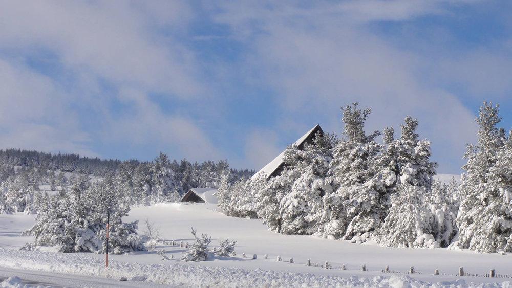 Ambiance hivernale et décor de carte postale au Bleymard Mont Lozère - © Station du Bleymard Mont Lozère
