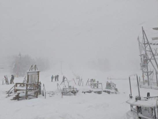 Hunter Mountain - Conditions are awesome but the power is out so no lifts right now. - © Sean