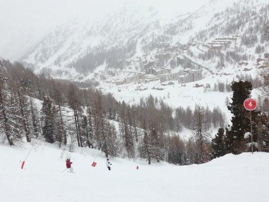 Isola 2000 - neige parfaite . pas beaucoup de monde . super journ - © Djou