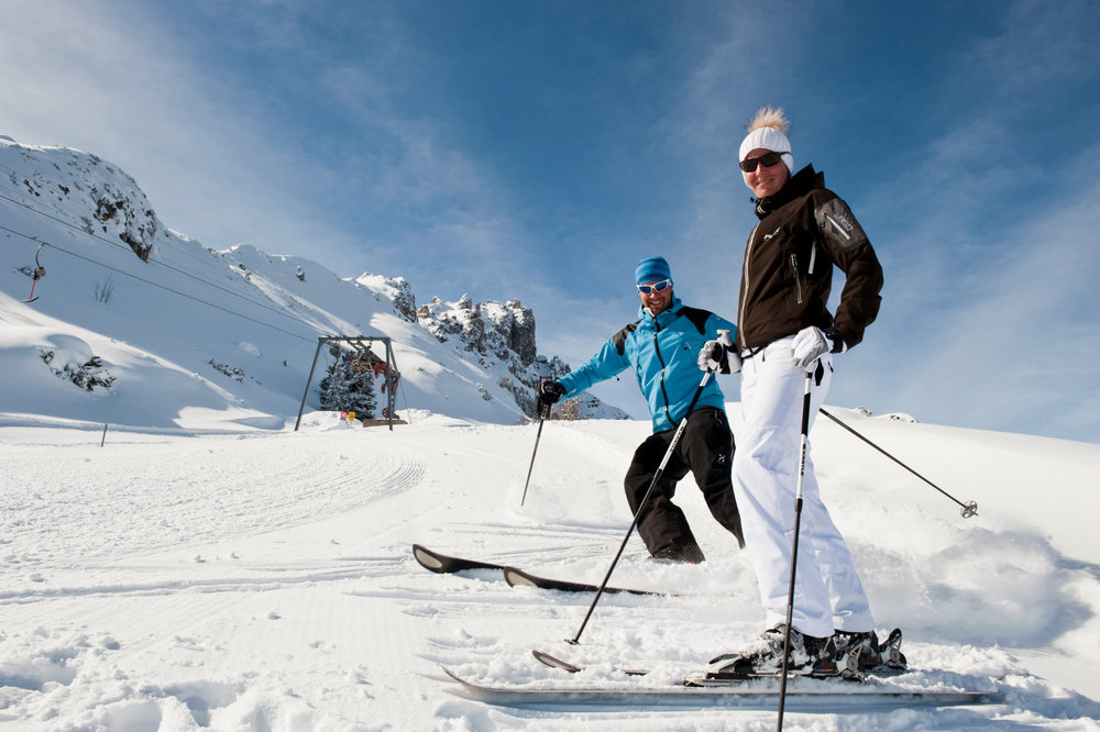 Skifahrer an den Elferliften - © TVB Stubai Tirol | Andre Schönherr