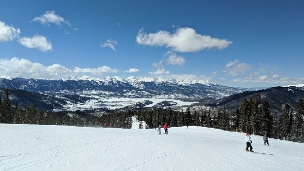 Keystone - Great day! Sunny, a bit windy, but the snow is great, and it wasn't crowded. Get up here! - © @Skifellows
