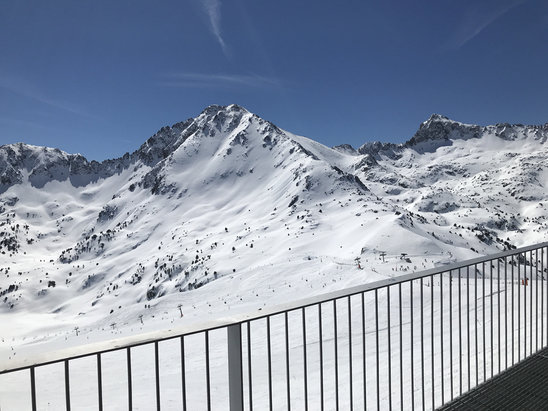 Grandvalira - Bluebird ☀️- yesterday's rain and today's sun making conditions very icy though - © Ben's iPhone