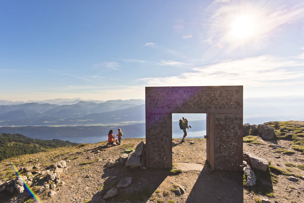 Beim Granattor den ersten Gipfelsturm feiern - ©Archiv MTG, Franz Gerdl