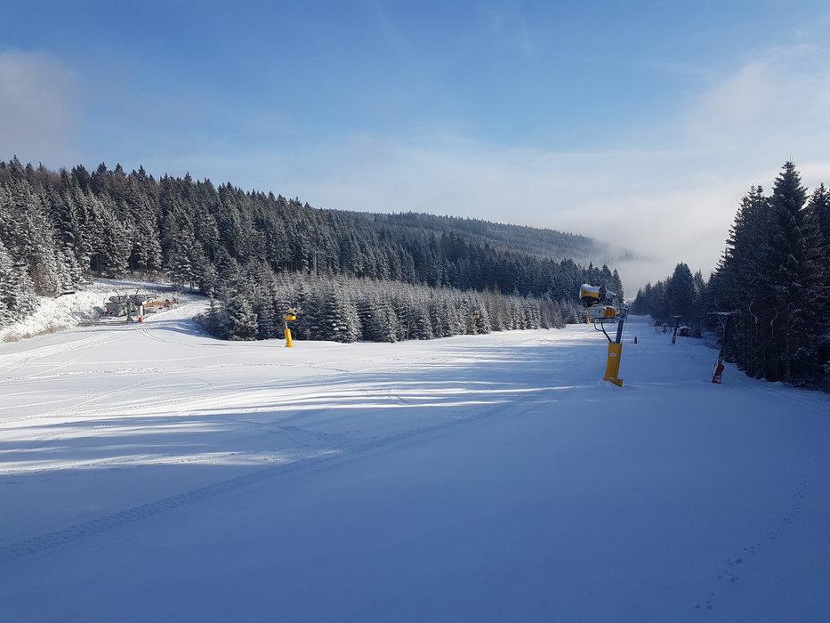 Sanfte, breite Pisten bestimmen das Bild im Skigebiet Mönichkirchen-Mariensee - © Schischaukel Mönichkirchen-Mariensee