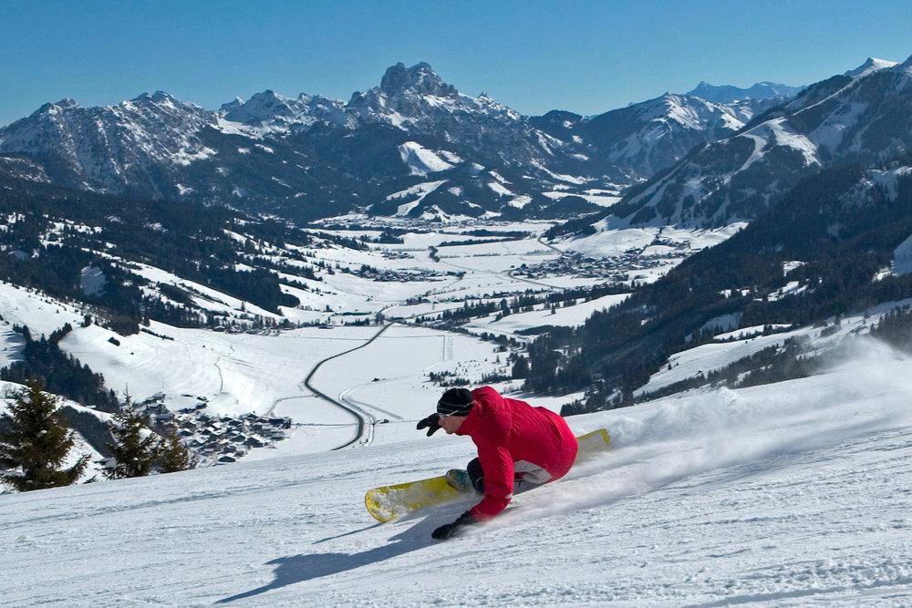 Snowboarder im Skigebiet Schattwald - Zöblen - © TVB Tannheimer Tal_Marco Felgenhauer