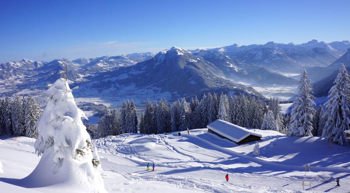 Alpenblick aus dem Skigebiet Schwarzenberg-Bödele - © http://www.boedele.info | Alois Metzler