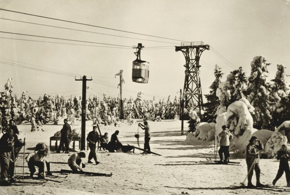 Lanovka na Černou horu přepravuje návštěvníky už 90 let - © SkiResort ČERNÁ HORA - PEC