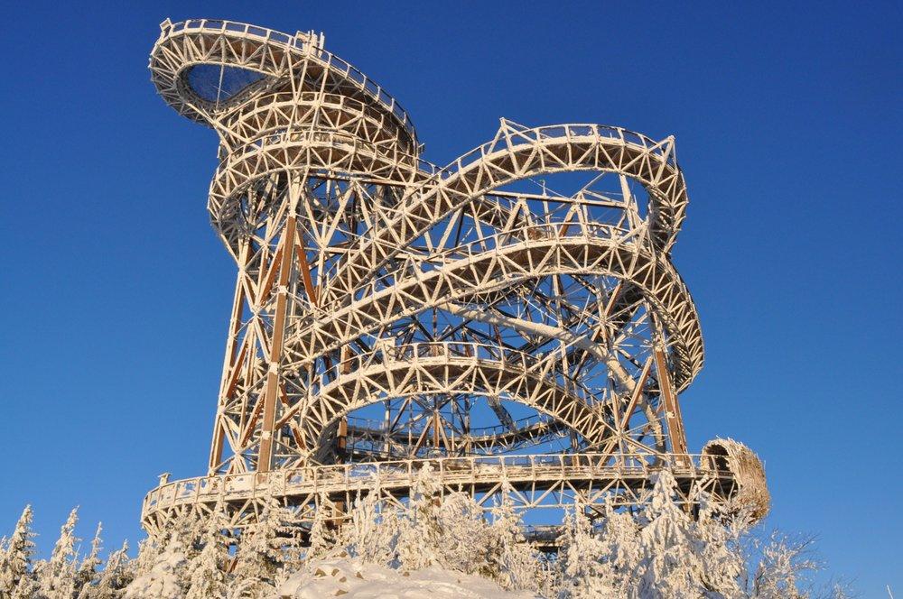 Stezka v oblacích - zážitková vyhlídková věž s rozhledem do širokého okolí je na Dolní Moravě přístupná po celý rok - © Horský resort Dolní Morava