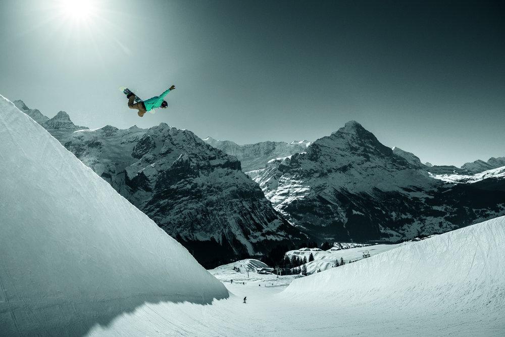 Gian Simmen in der Halfpipe in Grindelwald - © Jungfrau Region