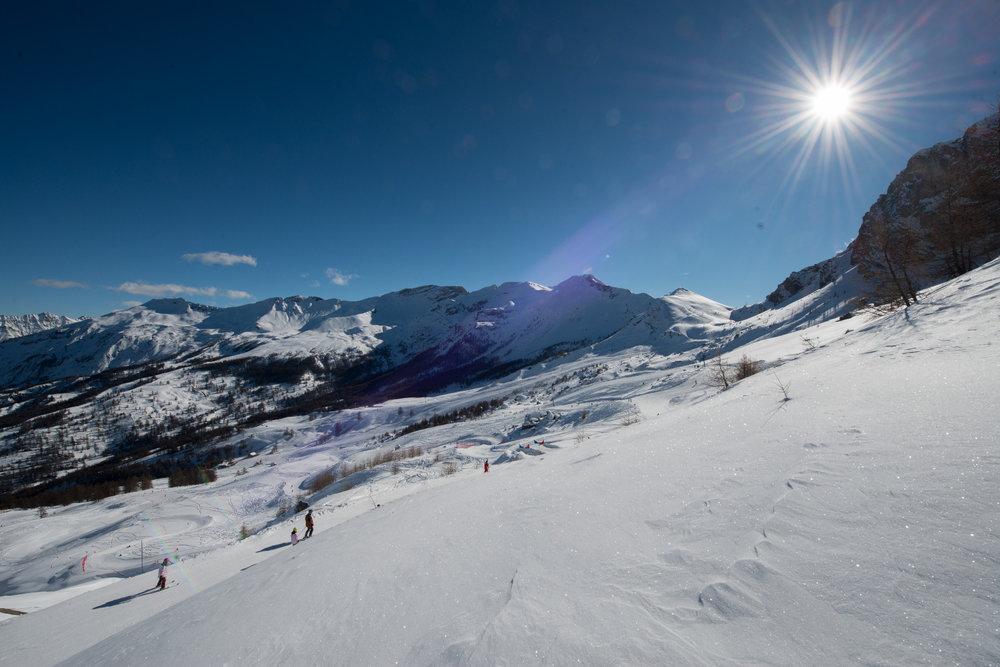 Paysage de carte postale depuis les pistes de ski du Sauze dans l'Ubaye - © Manu Molle