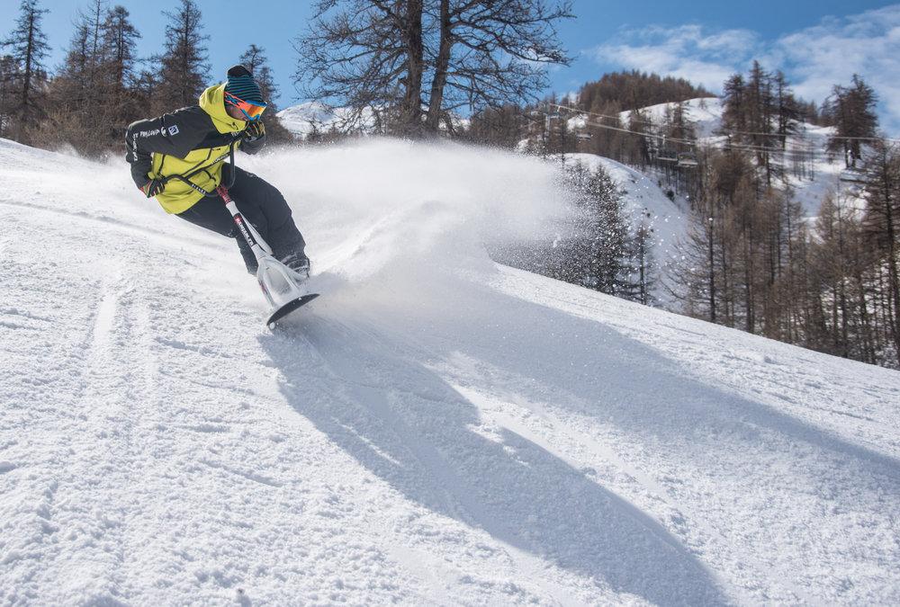 Session snowscoot sur le domaine skiable de Praloup - © Manu Molle