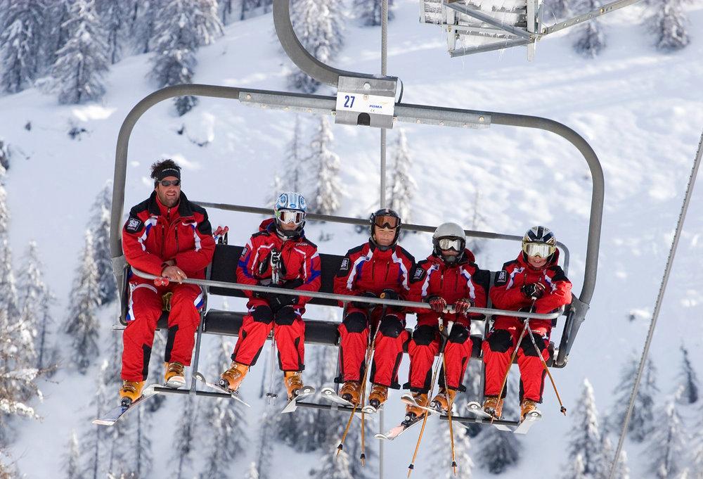 En route pour les pistes de ski de Valberg en compagnie des moniteurs de l'ESF... - © OT Valberg