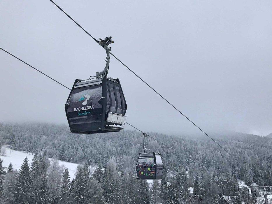 Od zimy 2018/19 bude v Bachledke lyžiarov prepravovať nová kabínková lanovka - © Bachledka Ski & Sun