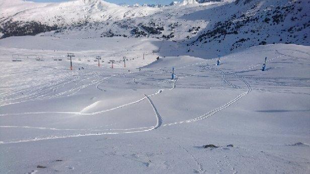 Grandvalira - alternance de neige artificielle et de neige fra - © tynoi
