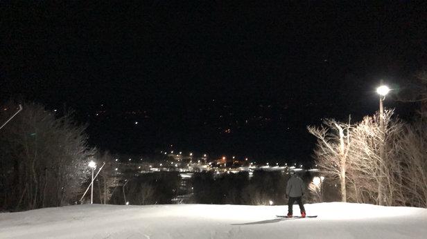 Wachusett Mountain Ski Area - Beautiful night. Icy near summit but loose granular everywhere else - © iPhone
