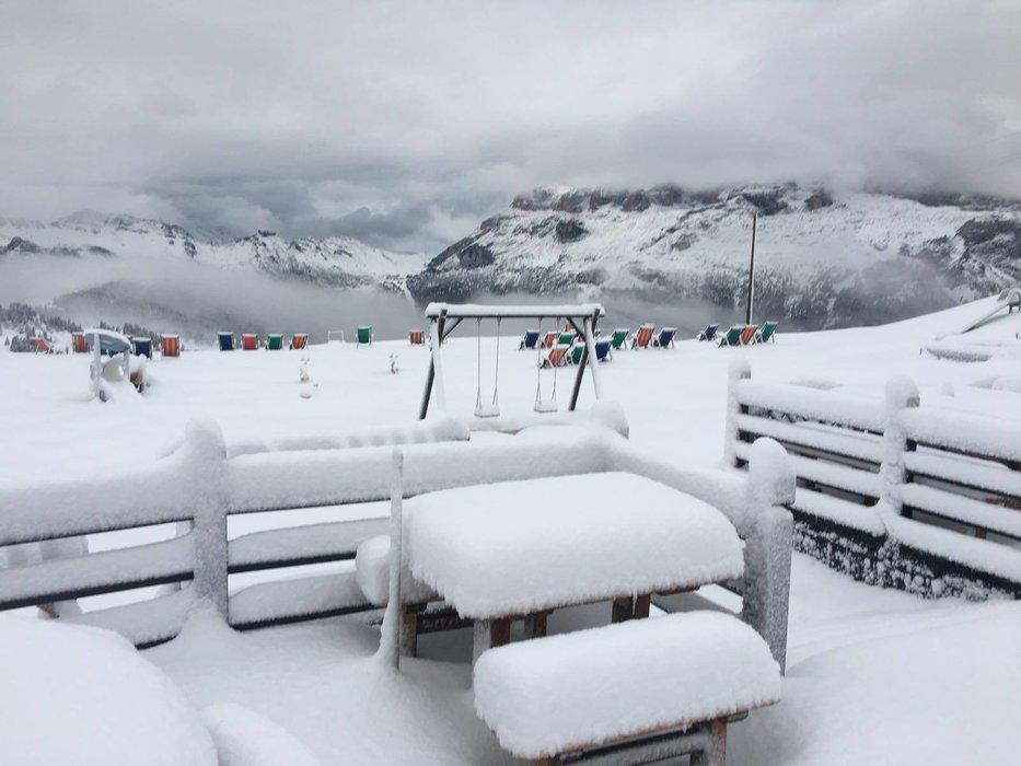 První sníh nadcházející zimy v Alta Badia (25./26.08.2018) - © Facebook Alta Badia