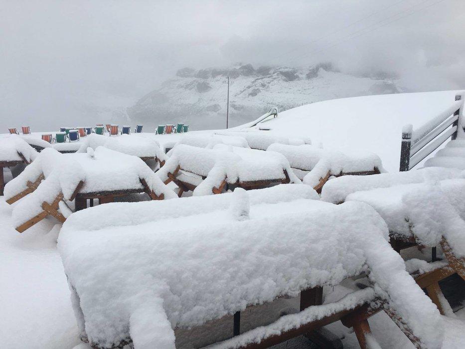 Viac ako 20 cm čerstvého snehu napadlo v Alta Badia (25.-26.8.) - © Facebook Alta Badia