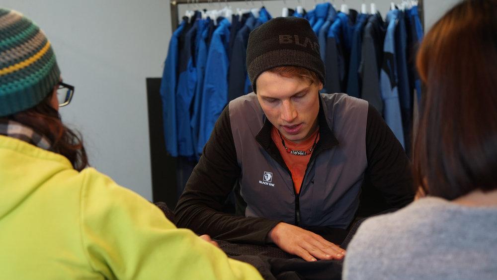 Jost Kobusch ist einer der Bergprofis, die mit BlackYak zuzsammenarbeiten - © BlackYak