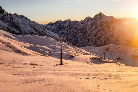 Die Zugspitze startet am 30.11.2018 in den Winter - © Bayerische Zugspitzbahn AG
