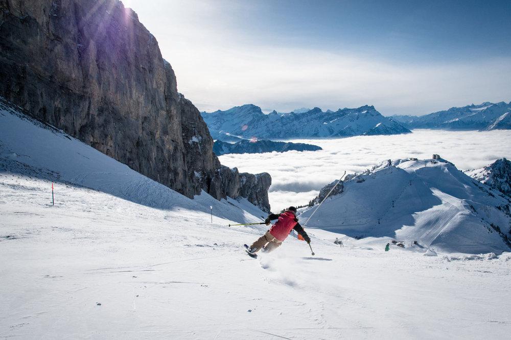 Sur les pentes enneigées du domaine skiable de Leysin... - © D.CARLIER / davidcarlierphotography.com