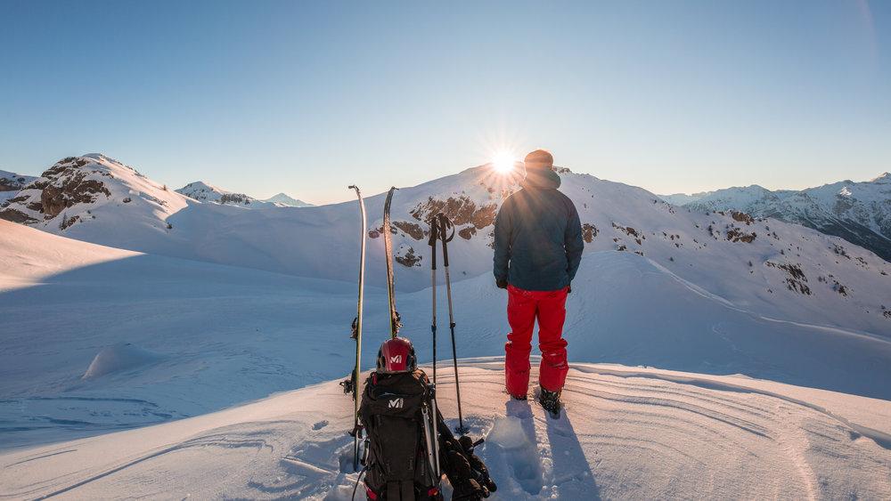 Prêts pour une nouvelle journée de glisse sur le domaine skiable de Pelvous Vallouise ? - © Thibaut BLAIS / OTI du Pays des Écrins
