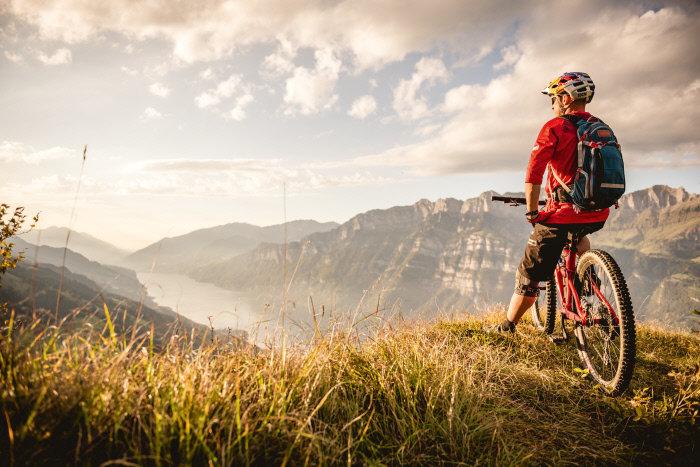 Fietsparadijs Zwitserland - © Switzerland Tourism - Andre Meier