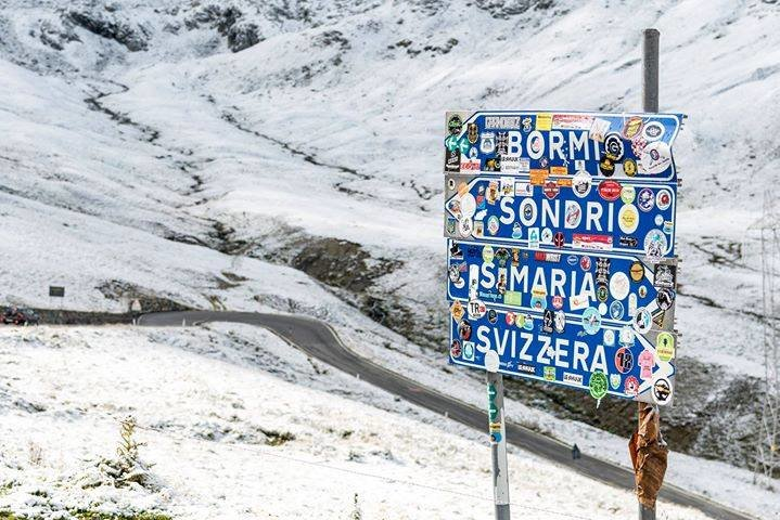 Nevicata d'agosto a Passo Stelvio, altri 10cm di neve fresca sul ghiacciaio! - © Facebook Passo Stelvio - Stilfserjoch
