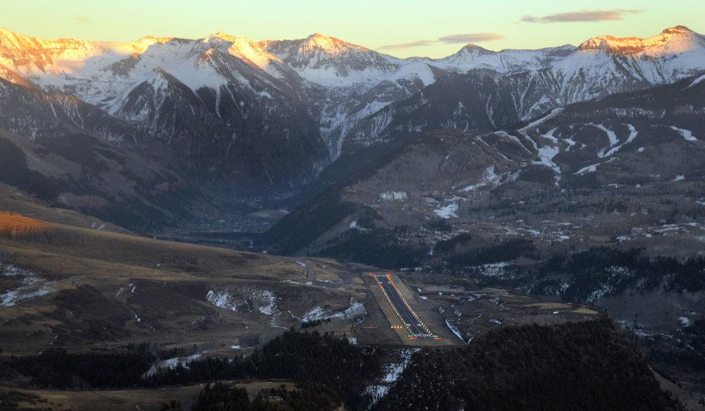 Located 10 minutes from the legendary terrain at Telluride Ski Resort - © BOUTIQUE AIR / TELLURIDE SKI RESORT