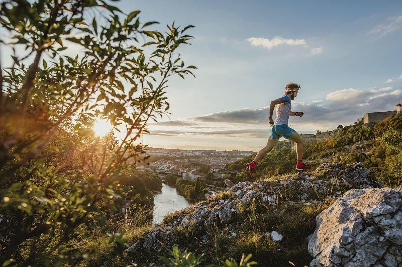 Découvre ou pratiquer le trail autrement dans les Montagnes du Jura... - © Pierre-Antoine Boillon / Bourgogne-Franche-Comté Tourisme