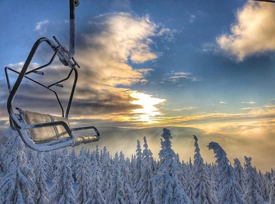 Sunrise in Spindleruv Mlyn, CZE - © @mentliki | facebook