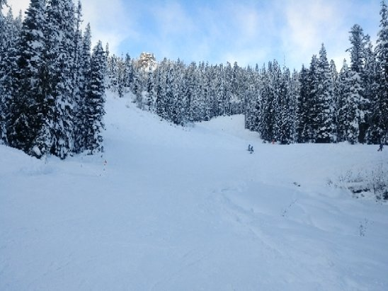 Mt. Hood Meadows - went on 12.27 .. soft snow..perfect weather. not a patch of ice..good day riding - © imti