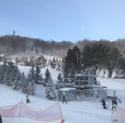 Bear Creek Mountain Resort - BCMR IS OPEN! Finally! There is not much snow. Only the front side was open yesterday, but today, they opened Broadway and Polar Bear! - © a skier