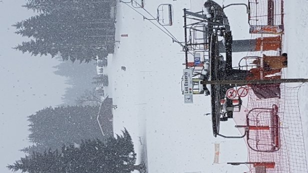 Morillon - chute de neige important  Tr - © anonyme