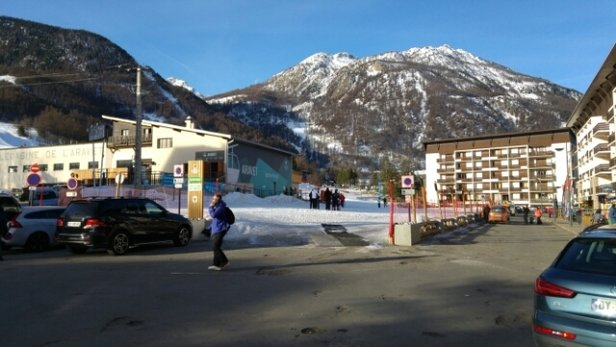 Serre Chevalier - bottom of Aravet. Feeling significantly warmer today. - © anonymous