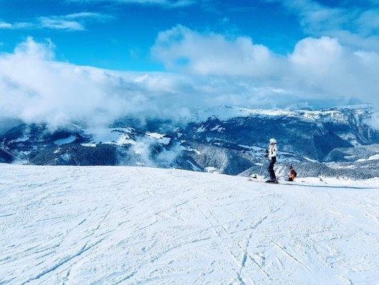 La Clusaz - Great conditions.  Lots of recent powder.  Slopes are fairly quiet - no lift queues.  Loved it La Clusaz! - © Pays de Galles