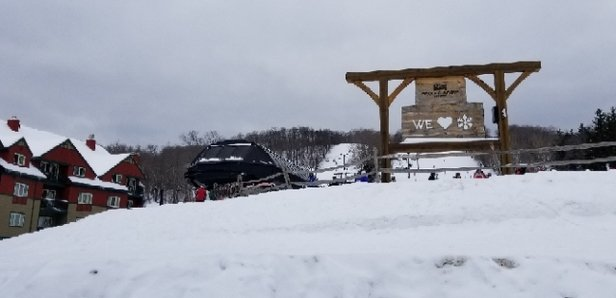 Mount Snow - Sunday 3/3 cloudy but nice conditions - © des