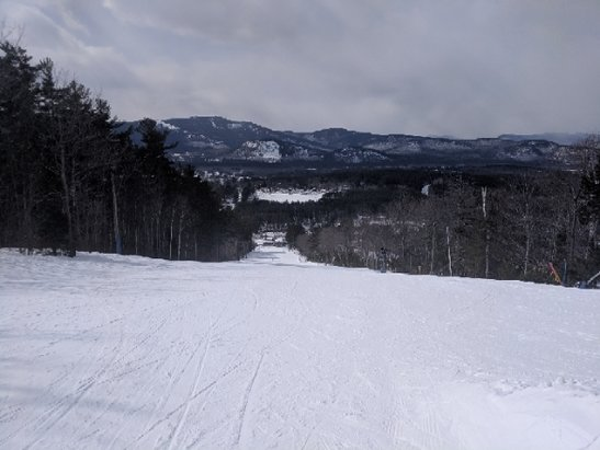 Cranmore Mountain Resort - Nice machine groomed hard pack.  No crowds or waits at the two lifts.  lots of school kids but plenty of open mountain to lap.  - © anonymous