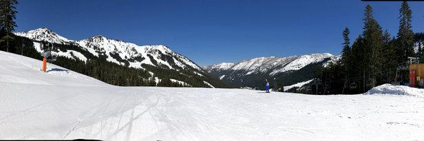 Crystal Mountain - Glorious Spring skiing... mountain to myself! - © iPhone