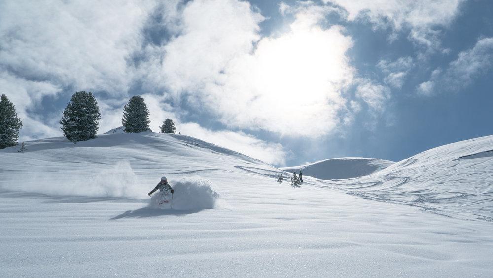 Tiefschneeabfahrt im Skigebiet Galtür - © © TVB Paznaun - Ischgl