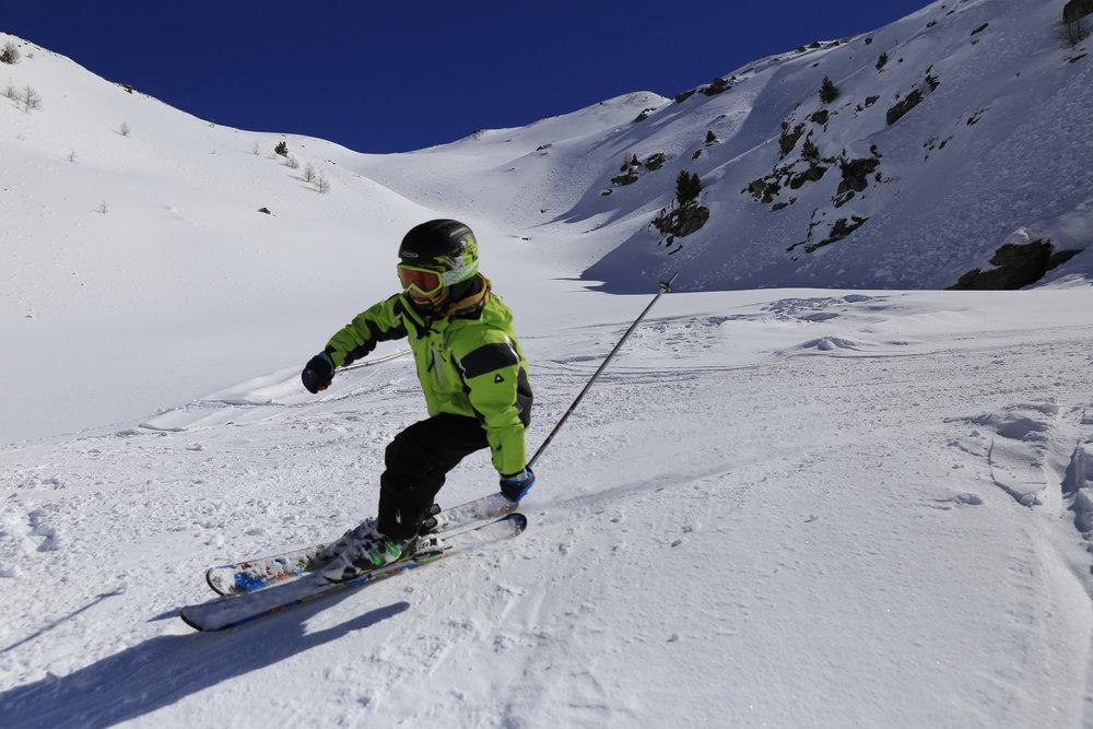 Skifahren in Unterbäch - © Unterbäch Tourismus