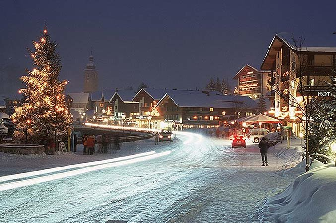 Idyllic Lech-Zürs at Christmas time - © Lech-Zuers