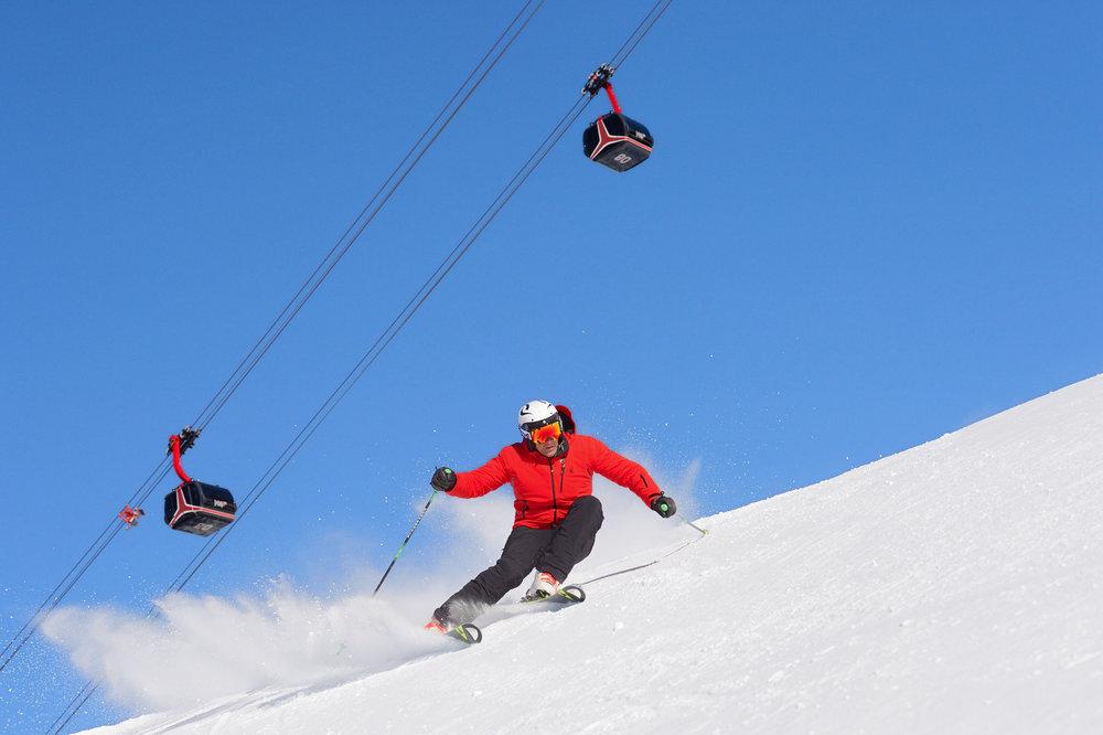 Ski engagé sur les pistes enneigées d'Ischgl dans le Tyrol autrichien - © © TVB Paznaun - Ischgl