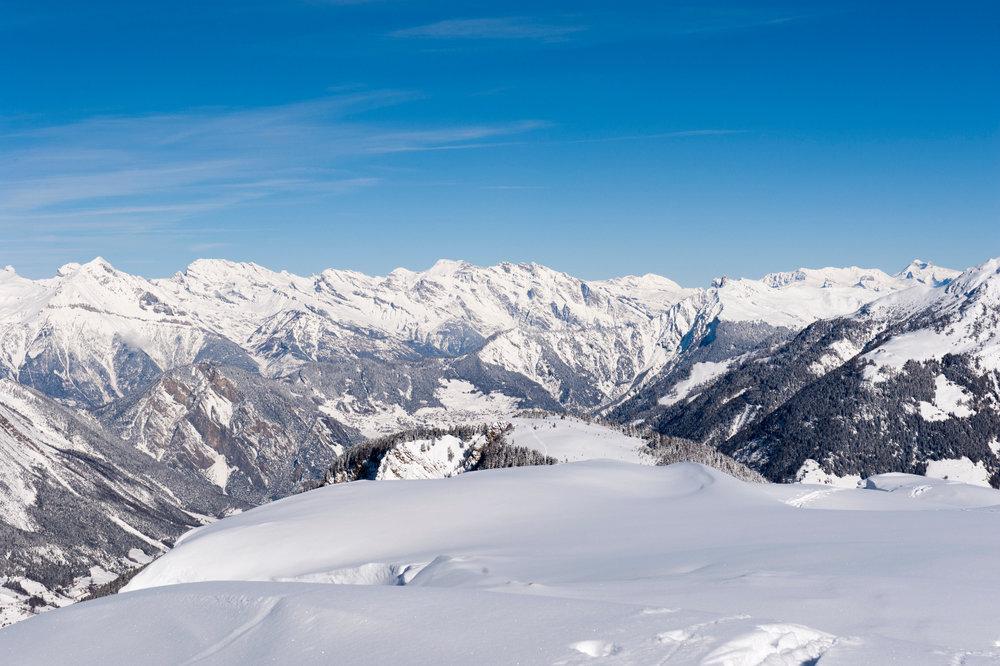 Blick aus dem Skigebiet Vichères-Liddes ins Tal - © Tele Vichères-Liddes