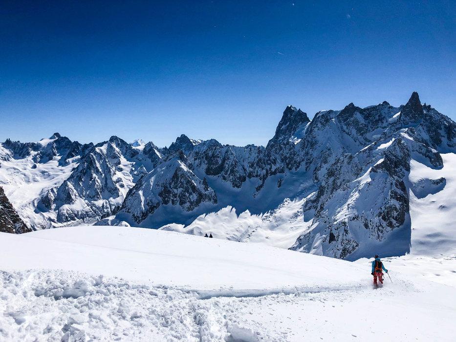 Cotoyer les sommets, s'initier à la haute montagne... Telle est la promesse de Chamonix ! - © Office de Tourisme Vallée de Chamonix - Célia Margerard