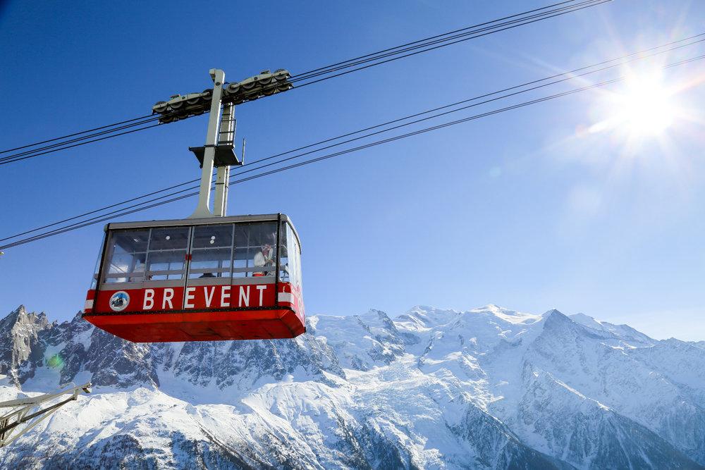 En route pour le domaine du Brévent, un autre incontournable de Chamonix - © Office de Tourisme Vallée de Chamonix - Salome Abrial