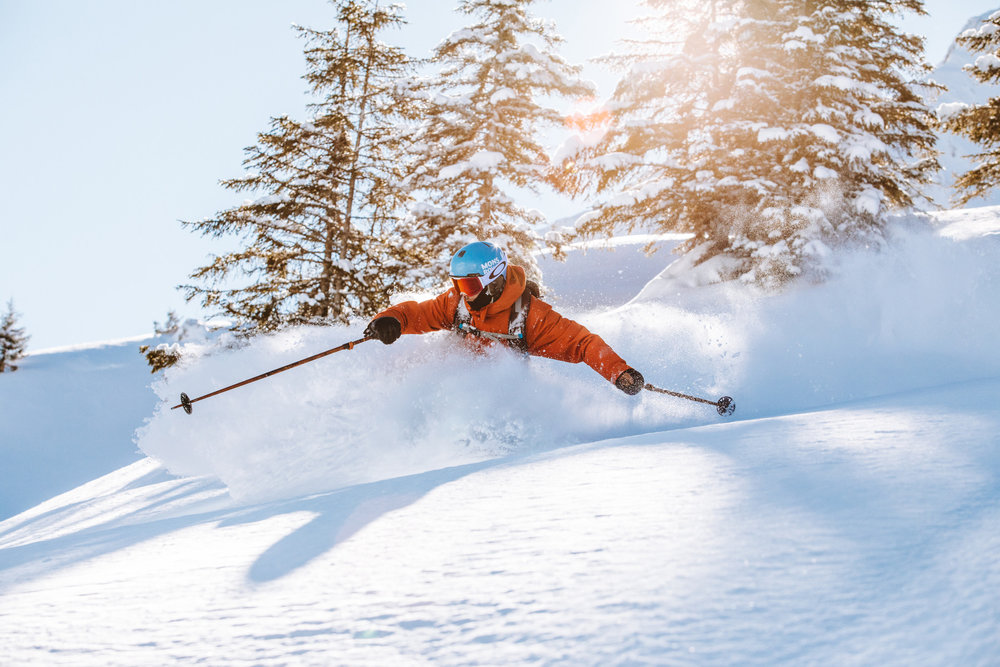 Session ski hors-piste sur les pentes enneigées de Morzine - © Ollie Godbold / OT Morzine