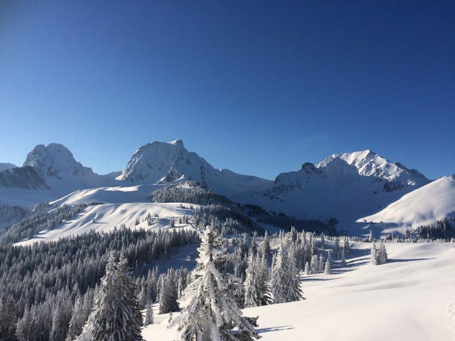 Ausblick vom Skiliftrestaurant Gurnigel - Wasserscheide - © Skiliftrestaurant Gurnigel - Wasserscheide