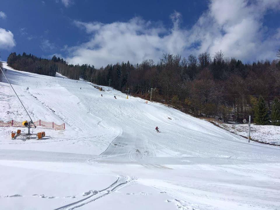 Slunečná lyžovačka v Hnilčíku - Ski Mraznica - © facebook | Ski centrum Mraznica Hnilčík