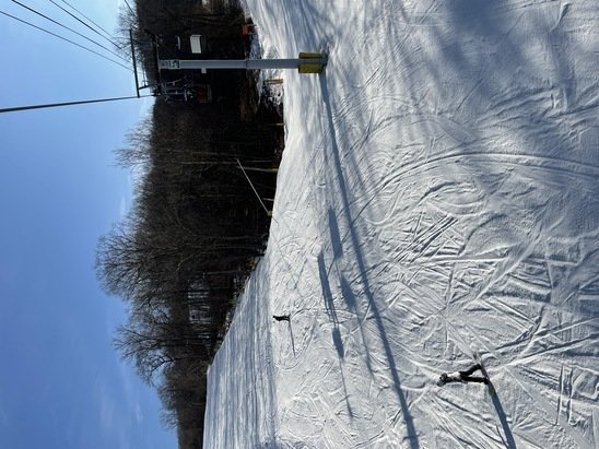 Mountain Creek Resort - Snow was in decent shape today but with only the Cabriolet open (aside from the beginner lift) the lift line was 15-20 minutes.   - © Anonymous