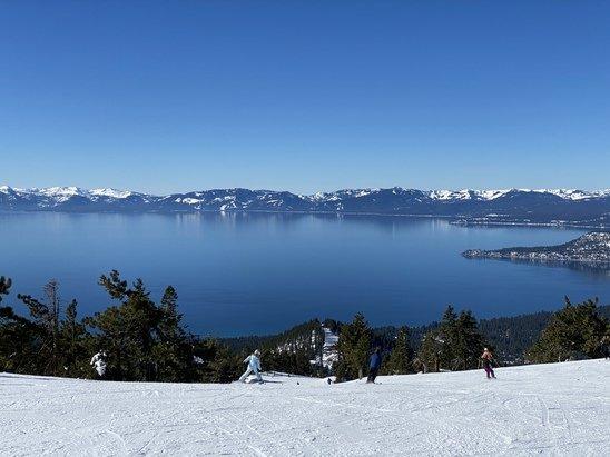 Diamond Peak - Diamond Peak had great weather and groomed runs on 2/6 and 2/7. - © 2/7 Sunday - blue skies